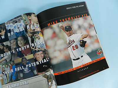 ORIOLES MAGAZINE 2000 SECOND EDITION NEW FACES IN THE CROUD W/ TWINS GAME INSERT - $49.95