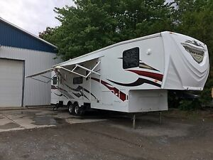 Fifth wheel garage inferno 3310t    2011