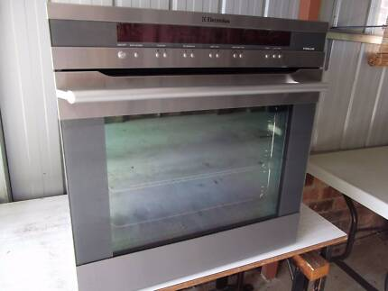 Electrolux Pyrolytic wall oven excellent cond