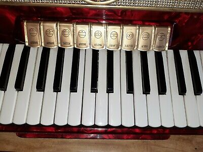 VINTAGE Hohner MUSETTE IV  accordion RED EXCELLENT CONDITION FREE POST