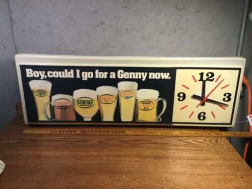 VINTAGE GENESEE BEER DISPLAY LIGHTED SIGN CLOCK 1988 LARGE NO CRACKS BAR