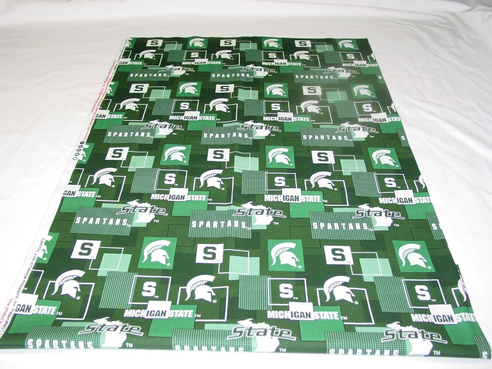 MICHIGAN STATE SPARTANS 100 Cotton FABRIC REMNANT Length 35 X Width 42  - $12.50
