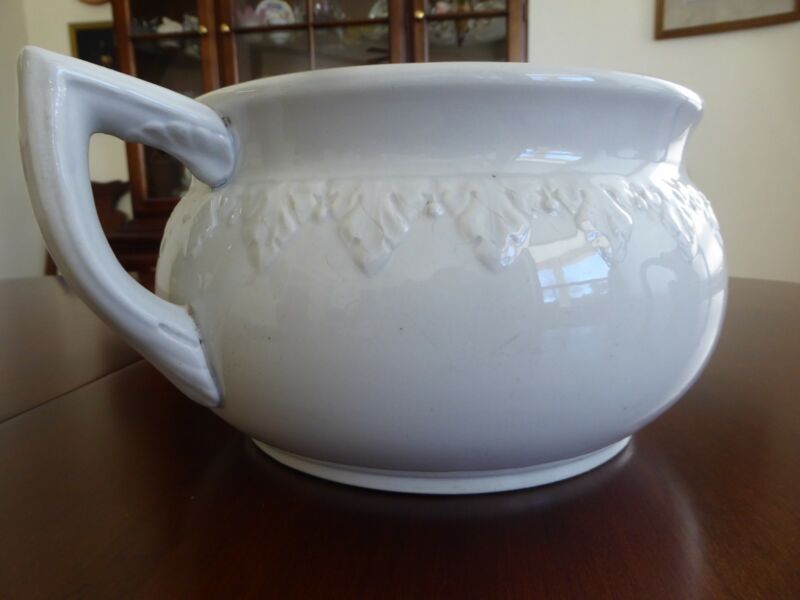 VINTAGE CHAMBER POT WITH  LID, IRONSTONE CHINA