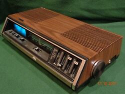 Vintage GE General Electric Model 7-4695A Digital AM/FM Alarm Clock Radio