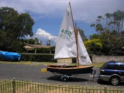 """Heron sailing dinghy """"Didgeridoo""""   (SALE PENDING)"""