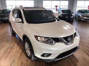 2015 Nissan Rogue SV 4WD (s-roof/heated seats)