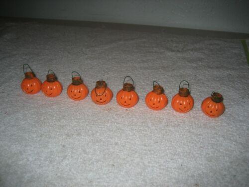 8 vintage Halloween 60s Pumpkin Jack-o-lantern mini plastic ornaments JOL