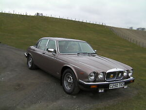 daimler 4.2 litre- not jaguar xj6 series 3 vdp
