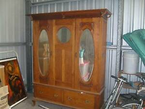 antique oak wardrobe circa 1920 Muswellbrook Muswellbrook Area Preview