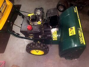 Yard-man snowblower 9 hp (28 inch )