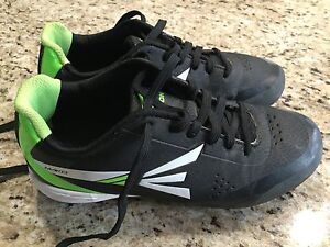 Baseball shoes cleats size 4 used 6 times