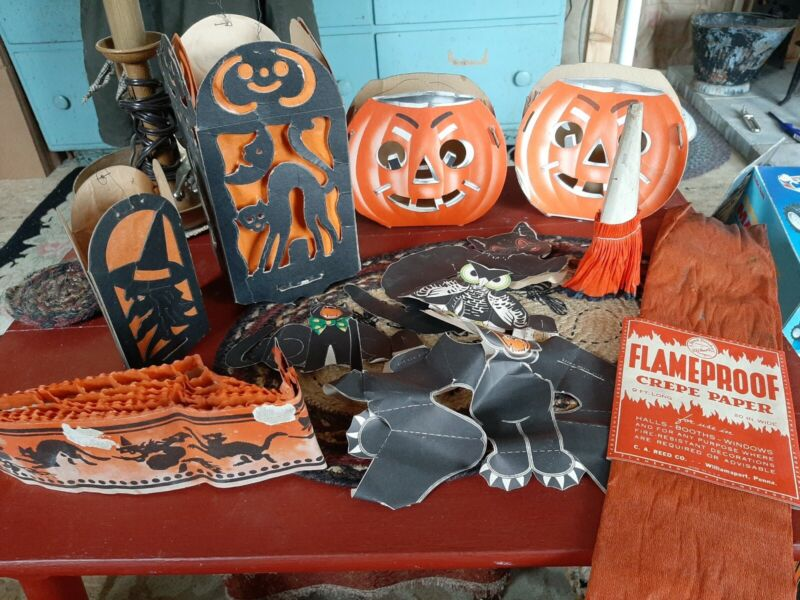 Antique Early 1900s Halloween 4 Lanterns Folding Cardboard Cutouts Crepe Paper