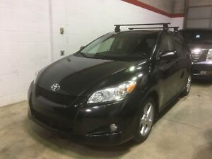 2012 Toyota Matrix (Corolla), roof rack, alloys, sunroof!