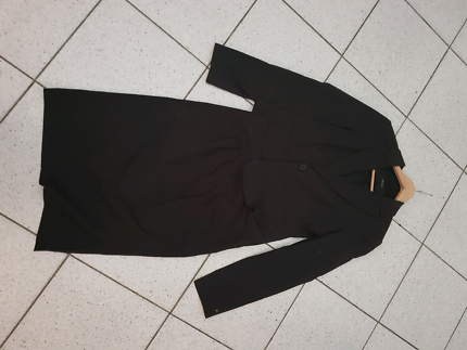 Cue in the city size 12 skirt suit