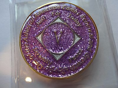 Na Purple Glitter Coin 5 Year Tri Plate Narcotics Anonymous Medallion Case Stand