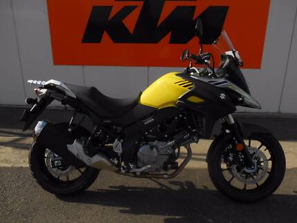 SUZUKI V-STROM 650L7 (Ex Demo, only 415 Kms)