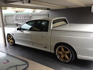 Vz 05 5.7 litres 6 speed crewman sell swap Rokeby Clarence Area Preview