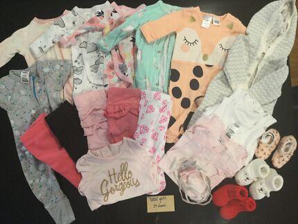 Girls baby clothes bundles (sizes 0000-000)