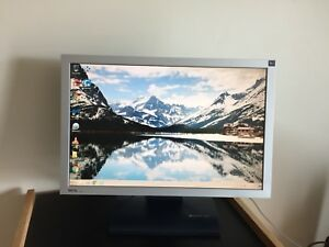 "BenQ FP222W Black 22"" 5ms 1680x1050 Widescreen LCD Monitor"