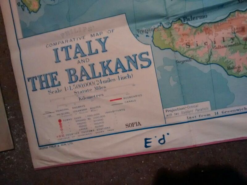 Vintage Italy and Balkans Map SCHOOL ROOM FOLDING MAP VGC
