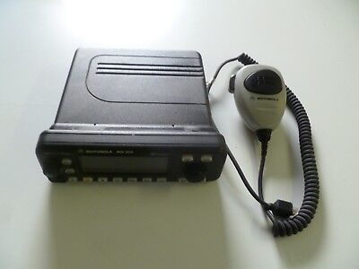 Motorola Mcs2000 800 Mhz Two Way Radio With Hand Mic M01ugm6pw6bn