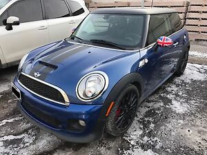 Flawless 2012 Mini Cooper John cooper s low KM