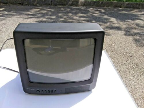 "Daewoo 13""  Crt Color Television   model DTQ--14N2FC Retro Gamer"