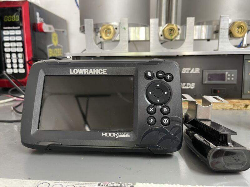 Lowrance Hook Reveal 5x SplitShot Fishfinder with GPS - 00015503001