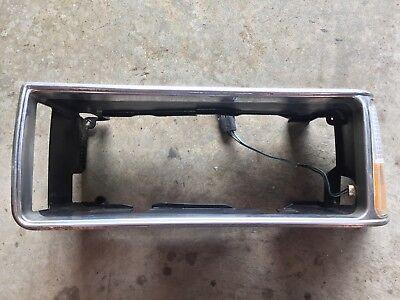 87-90 1987-1990 CHEVROLET CAPRICE DRIVER LEFT HEADLIGHT CORNER LIGHT BEZEL  1990 Chevrolet Caprice Headlight