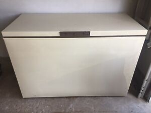 13 cu/ft Woods Ultra chest freezer