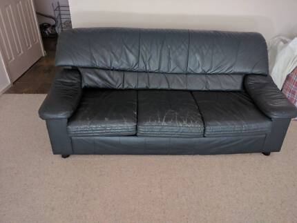 Green couch for free!