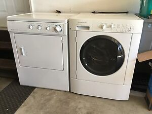 Frigidaire Washer and Dryer - Full Size