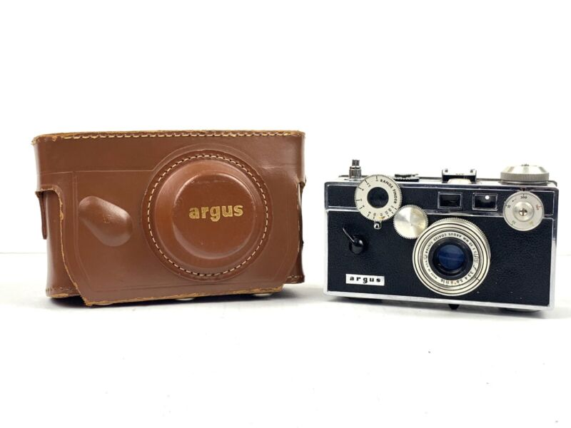 Vintage Argus C3 50mm Coated Cintar Film Camera w/Leather Case Made in USA