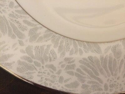 Wedgewood VERA WANG VERA CHANTILLY LACE SALAD PLATE WHITE & SILVER Vera Wang Silverplate