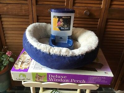 3 ITEMS FOR CAT KITTY PET NEW WINDOW PERCH AUTOMATIC FOOD DISPENSER & SOFT BED