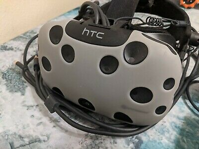 HTC Vive with audio strap and Vive trackers