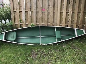 15.5 ft Coleman canoe