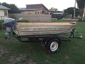 3.8m tinny with trailer and 9.5hp Evinrude Portarlington Outer Geelong Preview