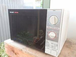 Sharp Carousel Microwave  in Excellent Condition Parafield Gardens Salisbury Area Preview
