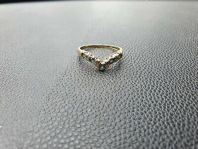 Vintage Hallmarked 9ct Gold V Shaped Cz Ring unsure on size think maybe an o