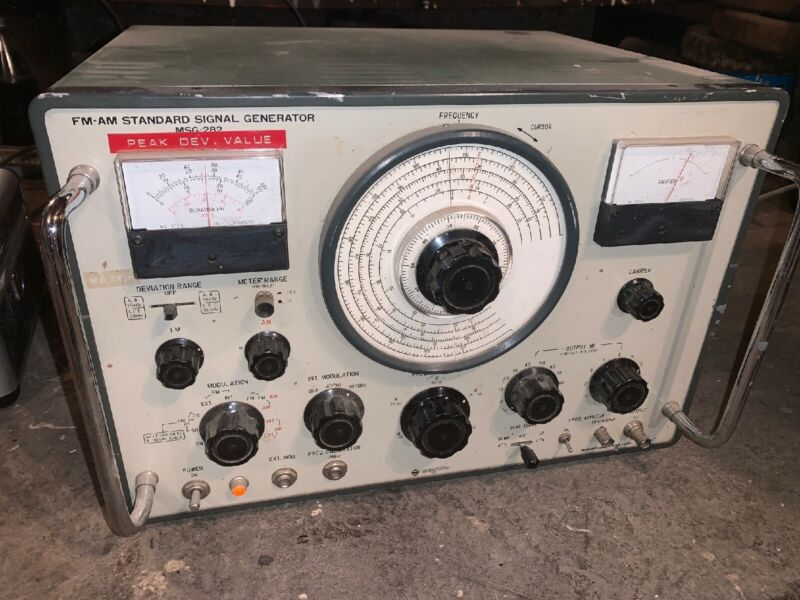Meguro FM AM VHF Standard Signal Generator Model MSG-282 NICE