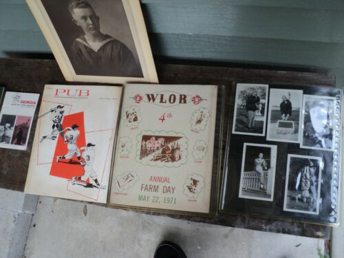 A WONDERFUL  COLLECTION OF VINTAGE ADVERTISEMENT PHOTOS BROCHURES  /INSTUCTION B