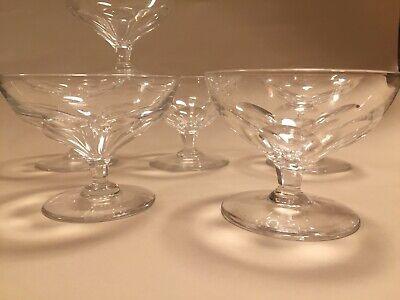 6 coupes à champagne.Modèle BERRY cotes plates  H: 80 mm  Val Saint Lambert