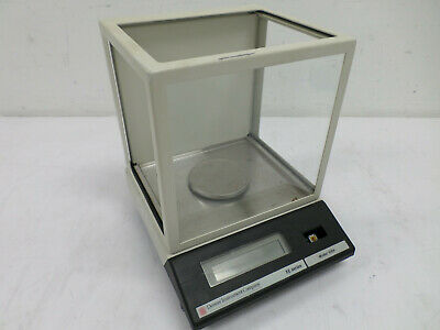 Fisher Denver Instrument Company Xe Series Laboratory Balance Scale 100a
