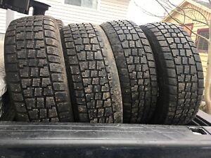 Winter tires 225 60 17