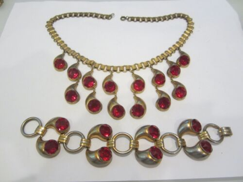 VINTAGE DECO BOOK CHAIN AND RED RHINESTONE DROP BIB NECKLACE & EARRINGS PARURE