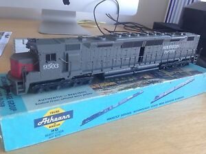 Model Railroad Southern pacific DD-40, 2 motor. Tennyson Brisbane South West Preview