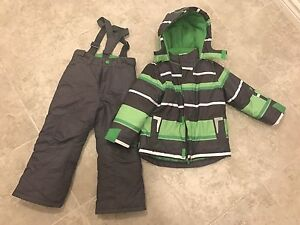Almost Brand-new Snowsuit 4T