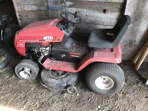 MTD Yard Machine - Lawn tractor/mower