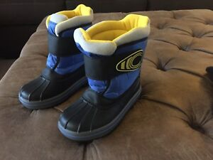 Kids size 11 Cougar winter boots BRAND NEW